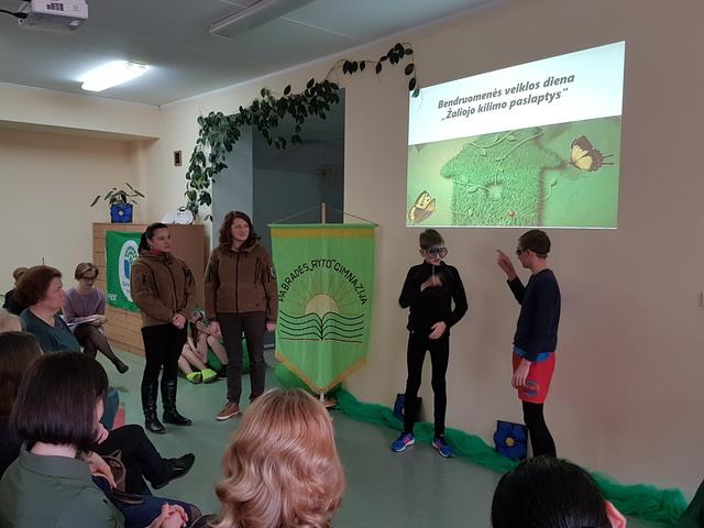 """Bendruomenės veiksmo diena Pabradės """"Ryto"""" gimnazijoje"""