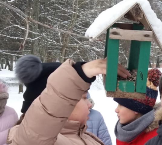Žiemojančių paukščių globa ir maitinimas Kretingoje