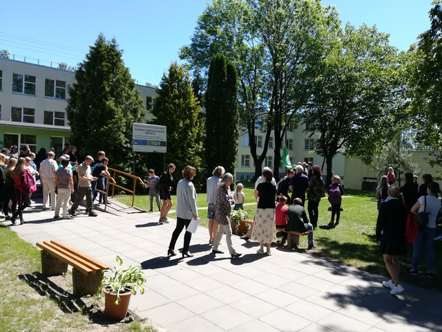 Vilkaviškio raj. Gražiškių gimnazijoje  pirmą kartą suplevėsavo Žalioji vėliava