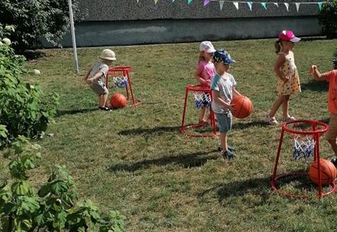 """Projektas """"Judėk laisvai, sportuok linksmai"""" Ukmergės darželyje """"Eglutė"""""""